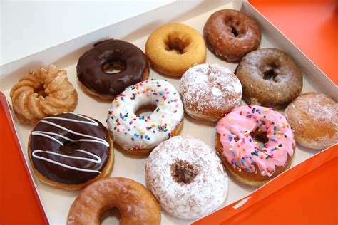 Donut Images 14 Best Donut Shops In Los Angeles 171 Cbs Los Angeles