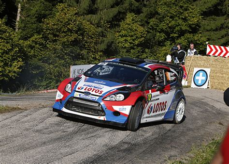 Robert Kubica Rallye Ford Wrc 2015 Viral by Robert Kubica S World Rally Chionship Future In Doubt