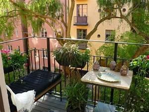 Bank Für Balkon : balkon pflanzen coole ideen f r eine gr ne entspannungsecke ~ Michelbontemps.com Haus und Dekorationen