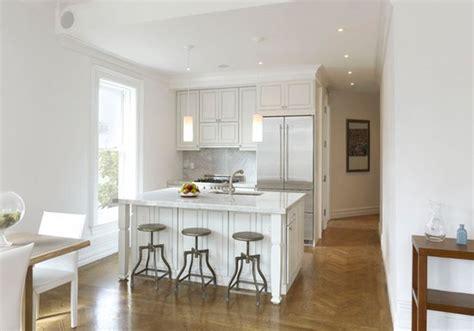 cuisines petits espaces cuisine petit espace deco maison moderne
