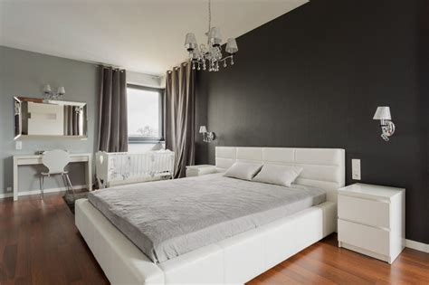 Solid Grey Rug by 27 Jaw Dropping Black Bedrooms Design Ideas Designing Idea