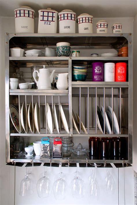 rangement vaisselle cuisine vaisselier indien