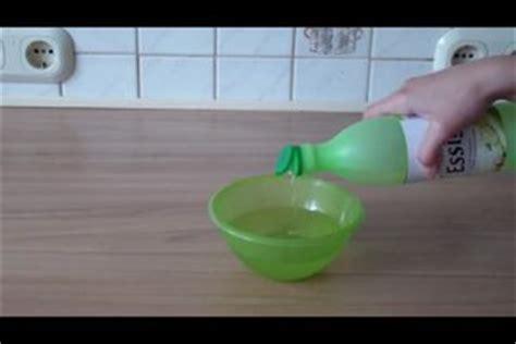 Neue Schuhe Stinken Nach Chemie by Tasche Stinkt Nach Chemie So Entfernen Sie Den Geruch