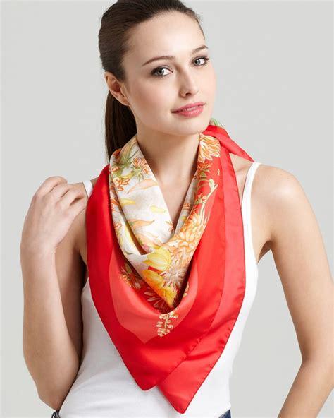 comment porter nouer et mettre un foulard
