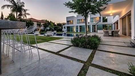 Segmented Cubes Residence Israel by Segmented Cubes Residence Israel Contemporary Garden