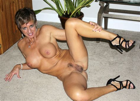 Fg7hb1325625461b Porn Pic From Hot Sexy Milf Showing