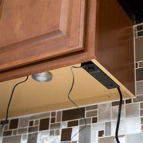 wiring under cabinet lighting how to install under cabinet lighting
