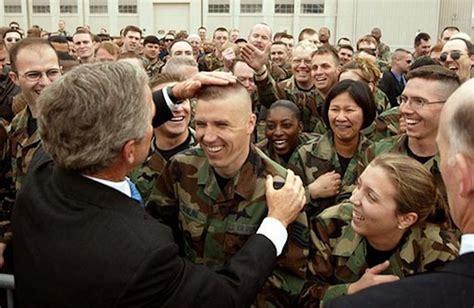 salute volunteer soldiers  scorn professional