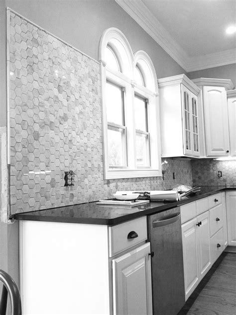 hexagon tile kitchen backsplash 28 best hexagon tile backsplashes images on 4180