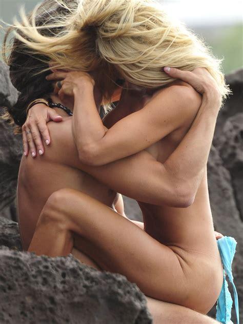 Shauna Sand Caught Having Sex On The Beach Actress Clicks