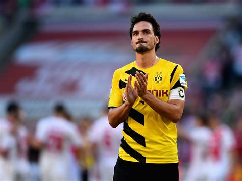 Hummels and muller are both resting knee injuries, while gundogan took a blow to the calf. Mats Hummels Wallpaper