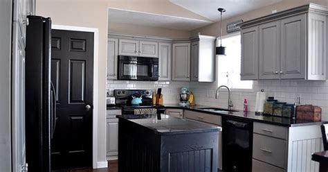 Love this kitchten grey, black with a bit of teal and pink