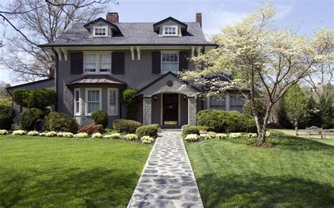Curb Appeal : 10 Ways To Increase Curb Appeal Without Spending Money