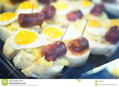 plats de cuisine plats espagnols de tapas d 39 oeufs de cuisine dans le