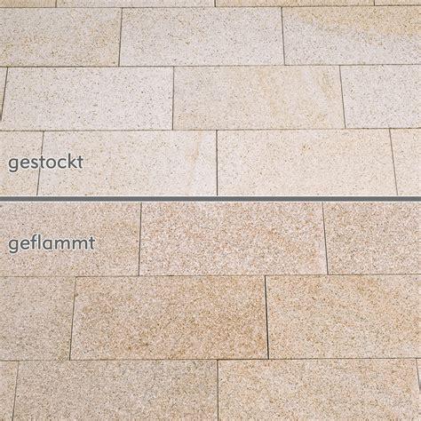 terrassenplatten granit günstig terrassenplatten granit gelb gestockt naturstein baumaterial