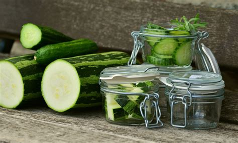 Kann Zucchini Roh Essen by Zucchini Einfrieren Roh Und Gekocht So Geht S Utopia De