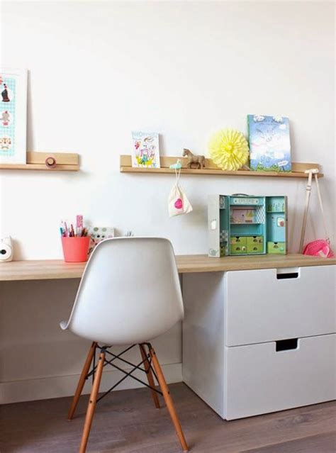 Ikea Childrens Writing Desk by Best 25 Kid Desk Ideas On Desk Areas