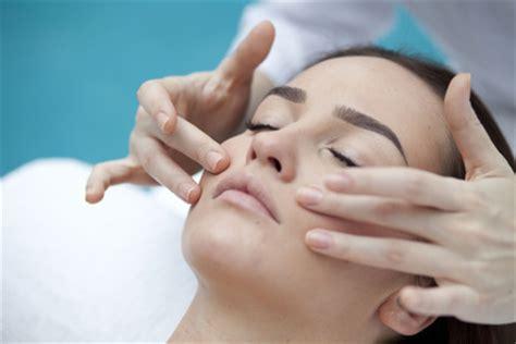 beauty courses cambridge school  beauty therapy