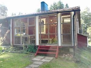 Wochenendhaus Am See Kaufen : schweden kleines rotes ferienhaus im wald an kleinem see zu verkaufen ~ Frokenaadalensverden.com Haus und Dekorationen