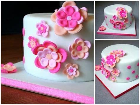 cake design decoration dun gateau avec des fleurs youtube