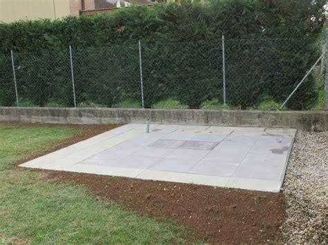 piastre per giardino realizzare un basamento per casette di legno