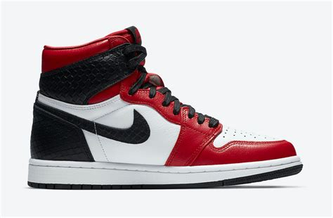 Wmns Air Jordan 1 Retro High Og Satin Red White Black