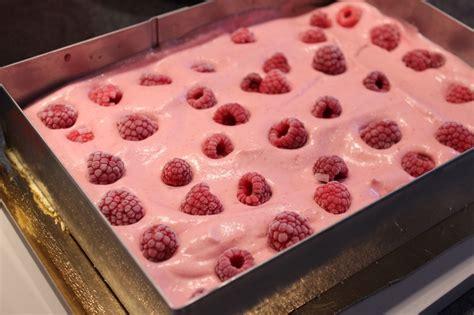 entremets 224 la mousse 224 la framboise et biscuit cuill 232 re pour ceux qui aiment cuisiner