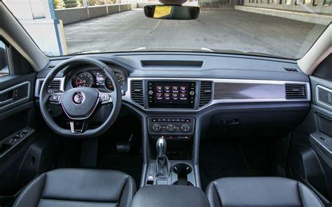 volkswagen atlas interior comparison dodge durango r t 2017 vs volkswagen