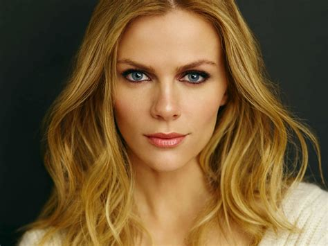 Austin Beauty Brooklyn Decker Reveals Her Musthave Makeup