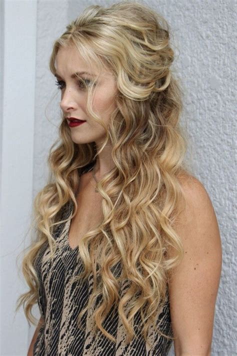 Wavy Half Updo Hairstyles by 398 Best Hairstyles And Up Dos For Weddings Images On
