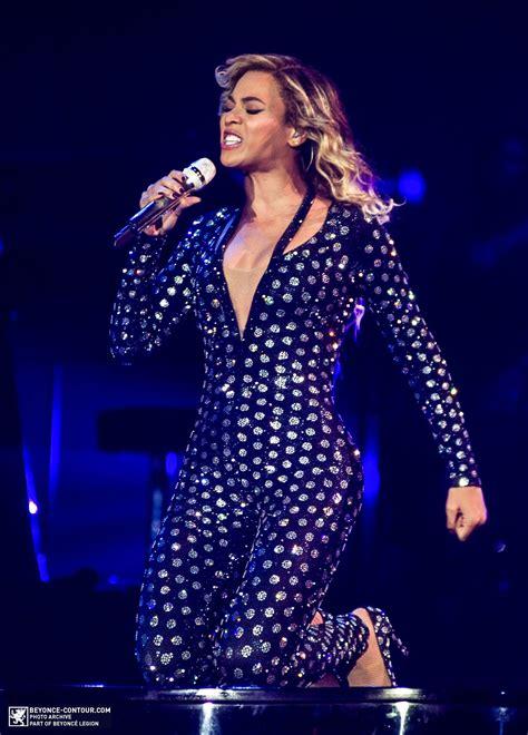Beyoncé Performing At LG Arena Birmingham 24.2.2014 ...