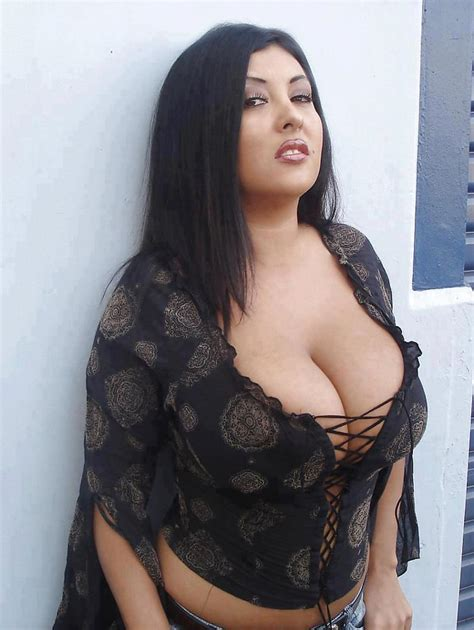 Hot Desi Aunties Half Dress Photos ~ South Indian