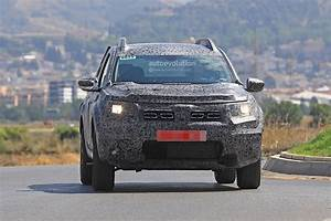 Dacia Duster 2018 : 2018 dacia duster video teaser reveals nothing james may will like it anyway autoevolution ~ Medecine-chirurgie-esthetiques.com Avis de Voitures