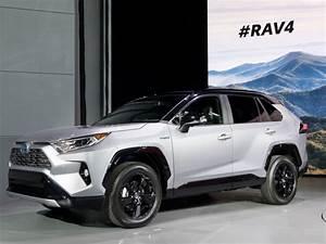 Nouveauté Toyota 2018 : en images le toyota rav4 d voil au salon de new york 2018 toyota rav4 new york 2018 ~ Medecine-chirurgie-esthetiques.com Avis de Voitures