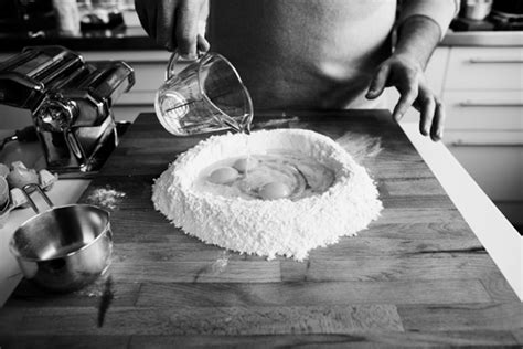 type de farine pour pates fraiches guide des p 226 tes fra 238 ches maison ch 226 telaine