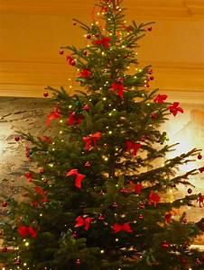 Schleifen Für Weihnachtsbaum : foto der weihnachtsbaum mit den schleifen geo reisecommunity ~ Whattoseeinmadrid.com Haus und Dekorationen