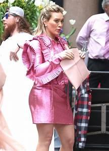 Dressing New York : hilary duff in a pink ruffled dress new york 4 17 2017 ~ Dallasstarsshop.com Idées de Décoration