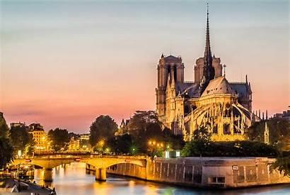 Dame Notre Paris Nu