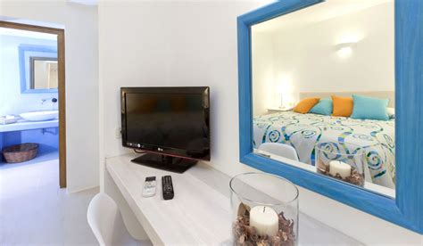 Bedroom Amenities Definition by Levantes Villa In Santorini 2 Bedrooms With