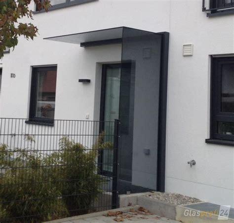 vordach hauseingang mit seitenteil vordach mit windschutz aus glas glasprofi24