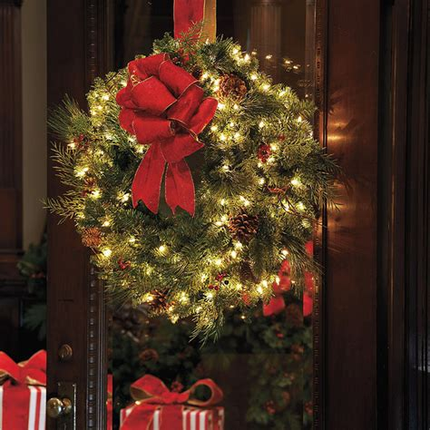 classic collection outdoor window christmas wreath