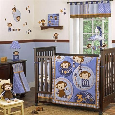 decoration murale chambre gar輟n déco chambre bébé garçon idées de linge de lit en 26 photos