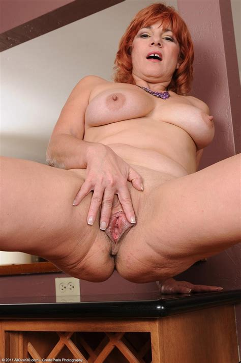 Sexy all natural redhead wife nude at home - Pichunter