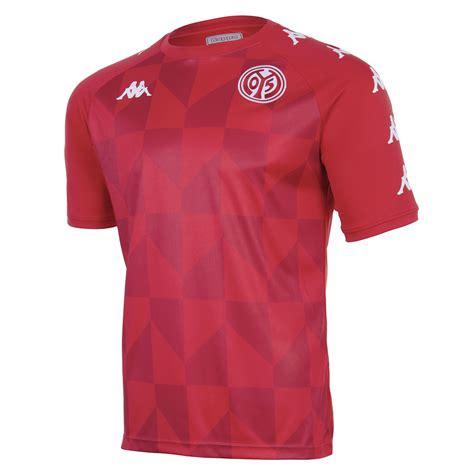 Bitte informieren sie sich beim jeweiligen veranstalter über die noch vorhandenen kapazitäten. Kappa FSV Mainz 05 Trainingsshirt 2020/2021 - kaufen ...