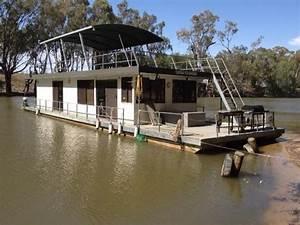 1985 CUSTOM BUILT HOUSEBOAT For Sale Trade Boats Australia
