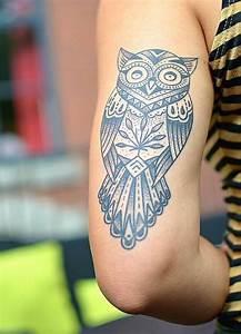 Tatouage Arriere Bras : tr s jolie chouette tatou e sur l 39 arri re du bras tatouage bras chouette animal tatoo arm ~ Melissatoandfro.com Idées de Décoration