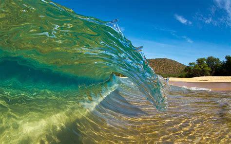 amazing sea wave wallpaper hd beach wallpapers