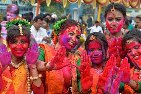 holi  celebrations   world  festival