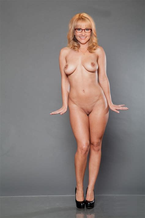 Melissa Rauch Porn Blonde Images Redtube