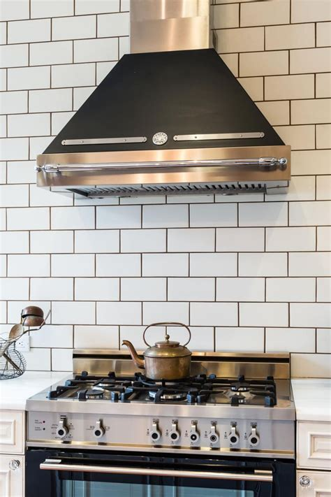 kitchen backsplash subway tile white subway tile with gray grout diy house projects 5062